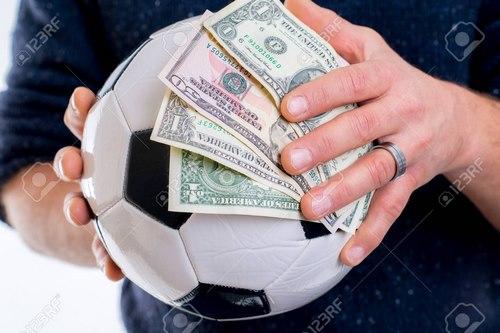 پیش بینی مسابقات فوتبال توسط کارشناسان