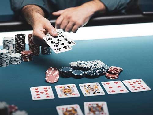 موقعیت های روی میز پوکر چیست؟
