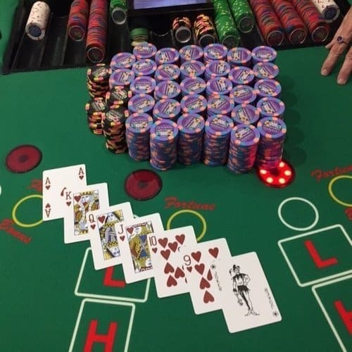 مسابقات پوکر سایت Planet Poker را تجربه کنید